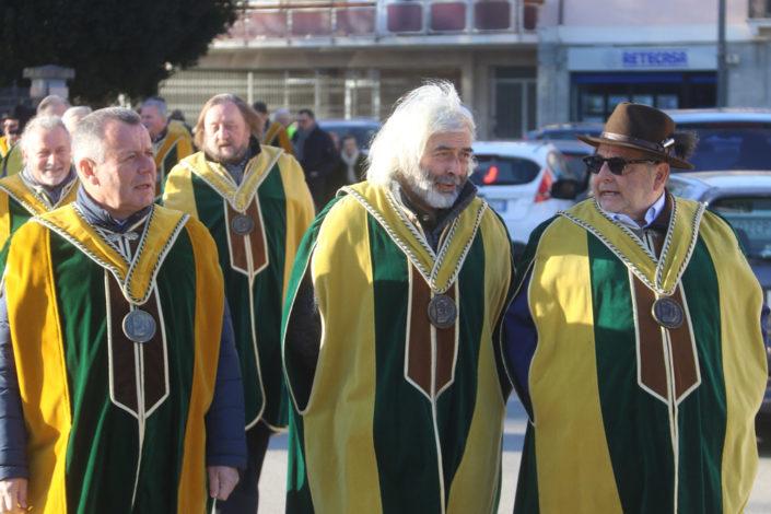 In prima fila, da sinistra a destra: Tiziano Brazzale, Franco Chemello e Fausto Maculan - Prima del Torcolato 2017 - ph.Stella